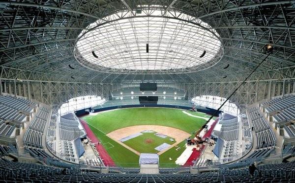 大巨蛋棒球場