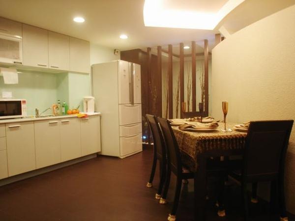 開放式廚房及餐廳