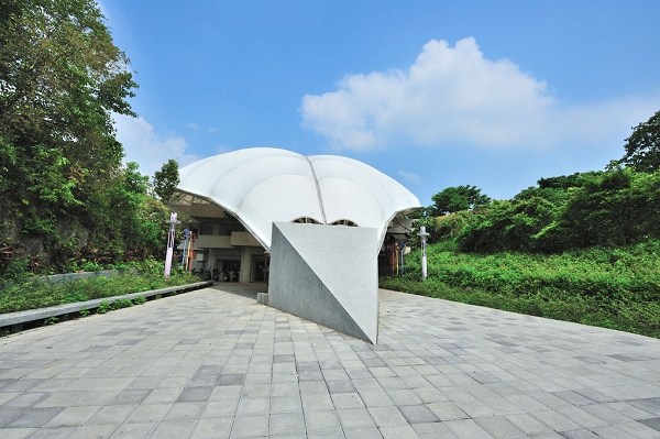 圓山公園區末端的真相館,播放感人3D影片「面對臺灣的真相」,不可錯過