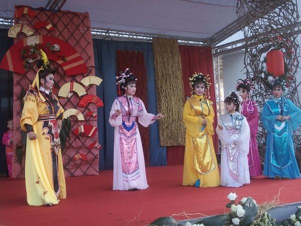 明珠女子歌劇團