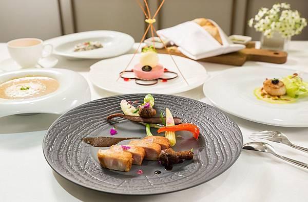 圖7_大地酒店西班牙伊比利豬套餐.jpg