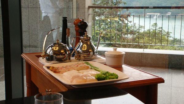 海鮮(大明蝦、大干貝、圓鱈)+蔬菜