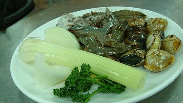 西班牙海鮮燉飯材料