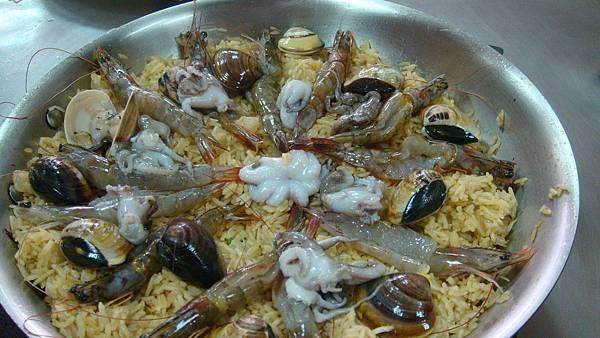 我們這組的西班牙海鮮燉飯