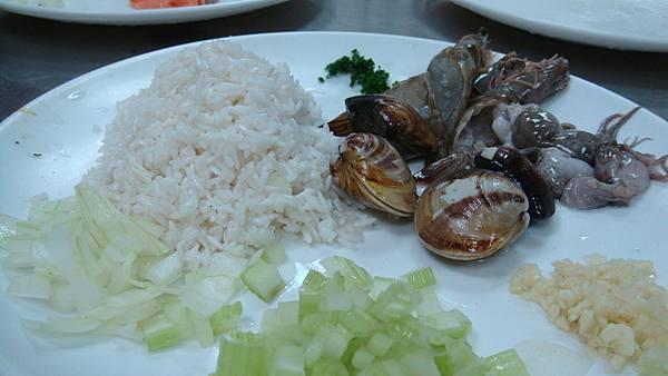 西班牙海鮮飯材料集合