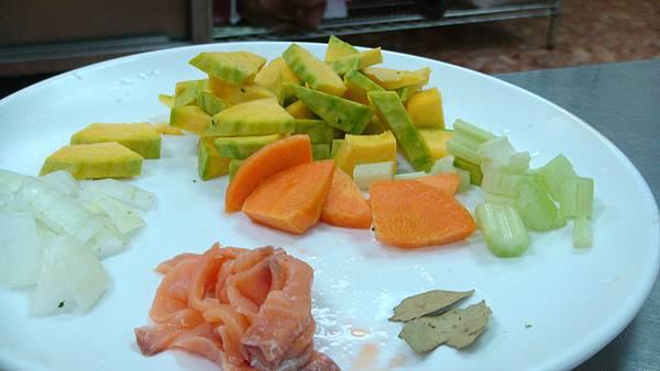 燻鮭魚南瓜濃湯材料集合