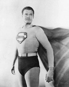 第二任超人舉槍自盡