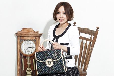 AP 2011秋冬形象圖(女包).jpg