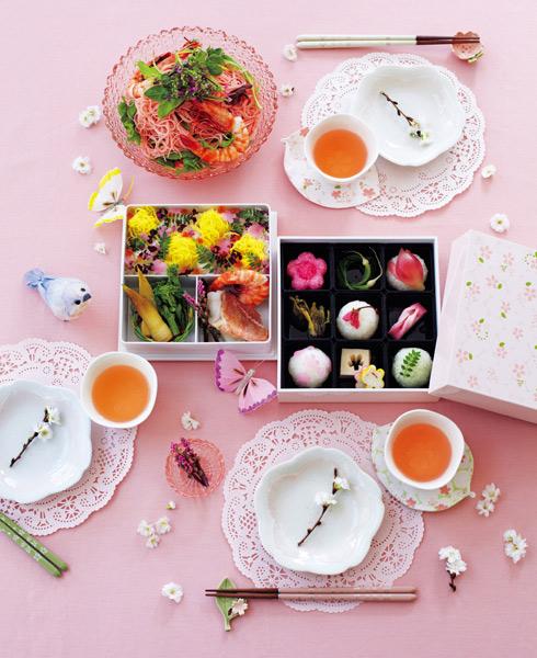 透過櫻花粉嫩、綻放的風格-讓餐桌也可以春意盎然