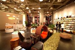 曼谷有各式美麗極具設計感的店,讓購物成為一種享受。