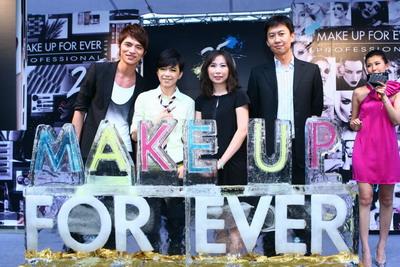 (左至右)小凱老師、張 芸京、MAKE UP FOR EVER 品牌經理陳珮琳、法意企業薛向容董事.jpg