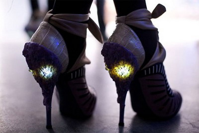 12-unique-and-creative-shoes-10.jpg