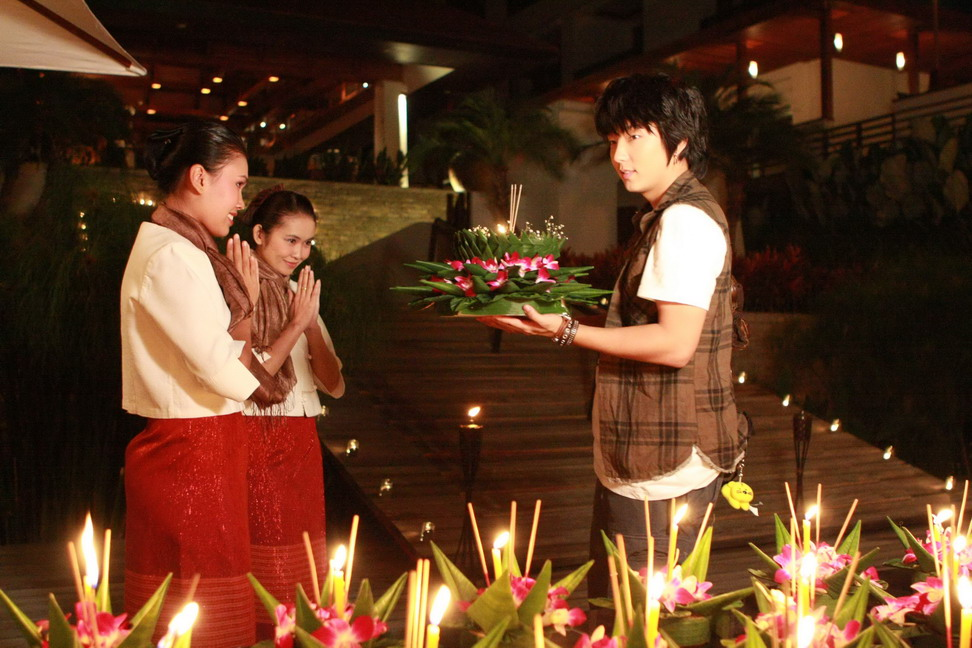Loy Kratong-Lee jun Ki_調整大小 .jpg