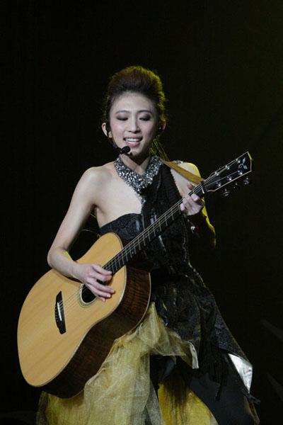 戴佩妮出道十年首度回馬開唱-3.JPG