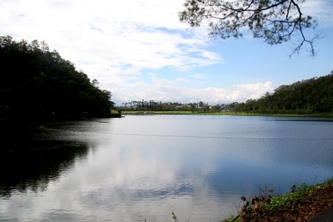 龍潭湖繞湖一周