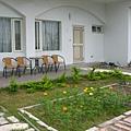 98年時房前花圃
