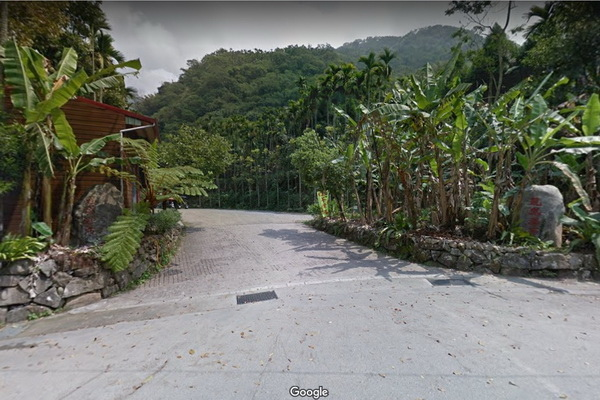 龍鳳瀑布停車場(600X400).jpg