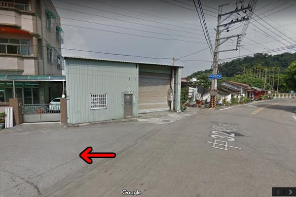 泰安國小落羽松安眉路轉彎處2(600x400).jpg
