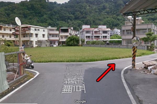 山下巷叉路右轉(600x400)2.jpg