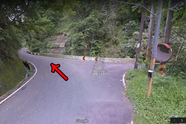 8.叉路左轉(600x400)2.jpg
