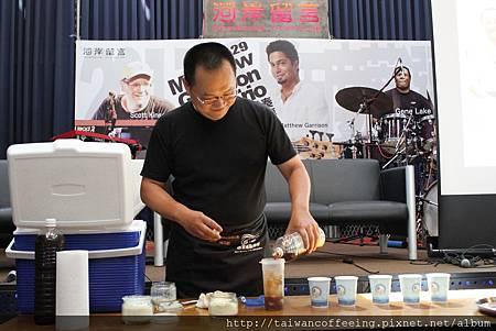 楊杰宏先生調製創意花式咖啡「黑啤咖啡」.jpg