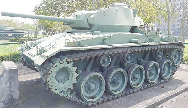 M24霞飛坦克(Chaffee) (2)