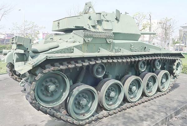 M24霞飛坦克(Chaffee) (6)