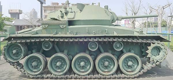 M24霞飛坦克(Chaffee) (7)