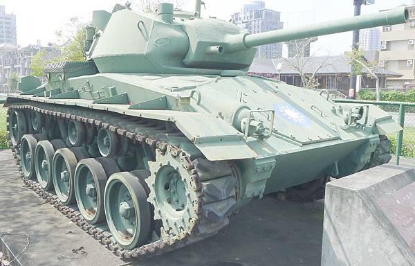 M24霞飛坦克(Chaffee) (8)