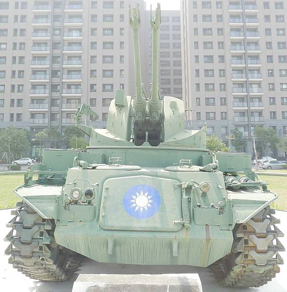 M42雙管防空砲車 (1)