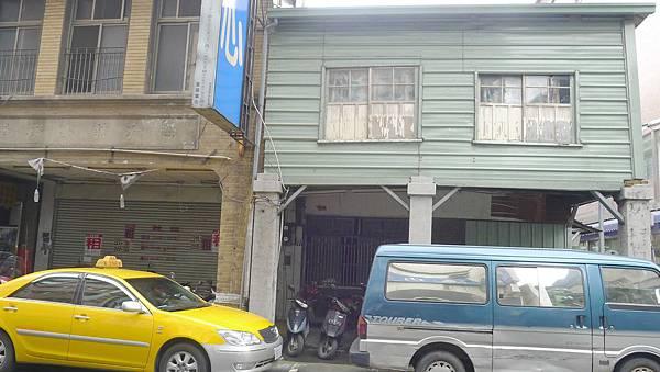 400台中市中區民族路37號