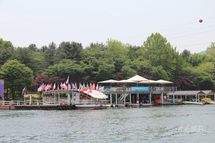 因拍攝《冬日戀歌》而聞名的韓國南怡島