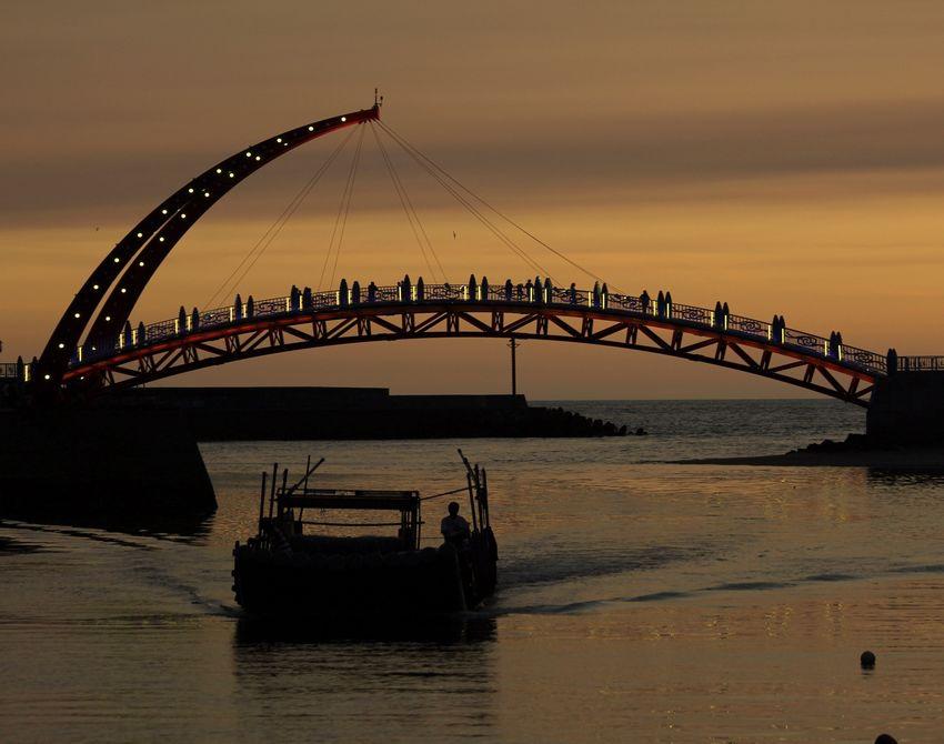 苑裡漁港看夕陽 - 1