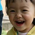 小孩子的笑容是世上最美的