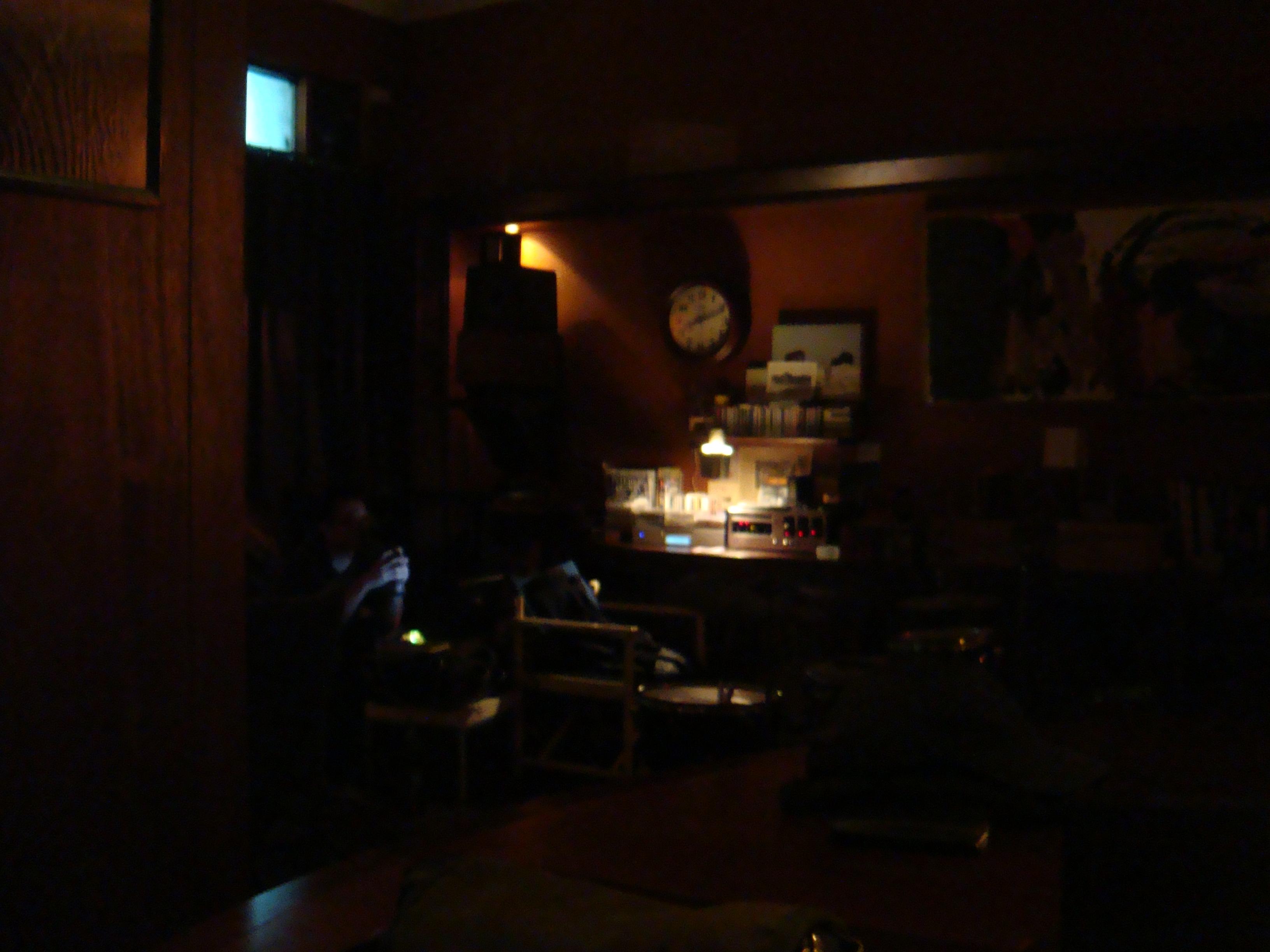 20110218-0219Marsalis Bar 馬沙里斯爵士酒館 應該是收音設備