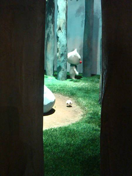 20110211(五)‧世界的角落特展,在森林獨處的白仔