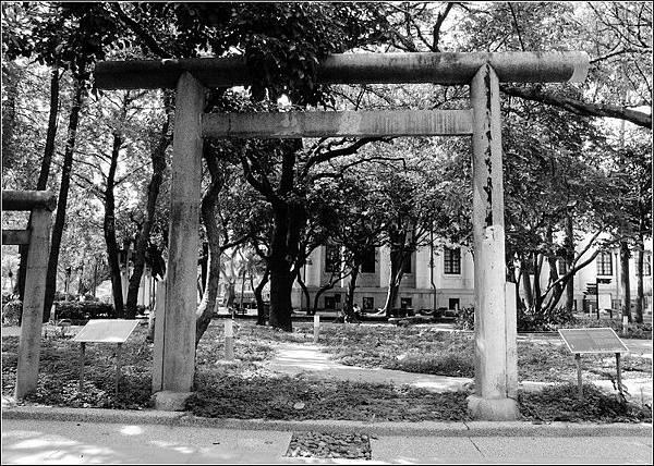二二八和平公園原明石總督墓園鳥居