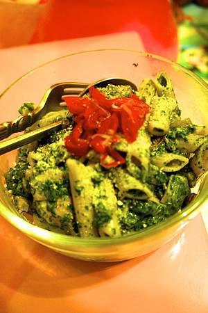 青醬中西菇燴雞肉筆管麵 7