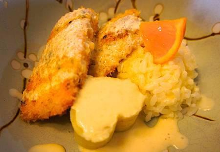 香煎鮭魚佐橘汁優格醬汁 8
