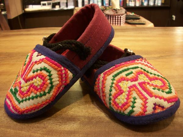 手工刺繡包鞋