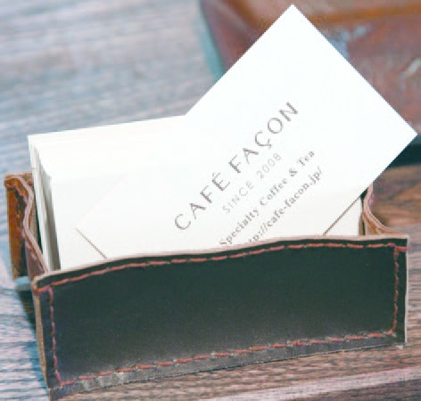 CAFÉ FAÇON的名片