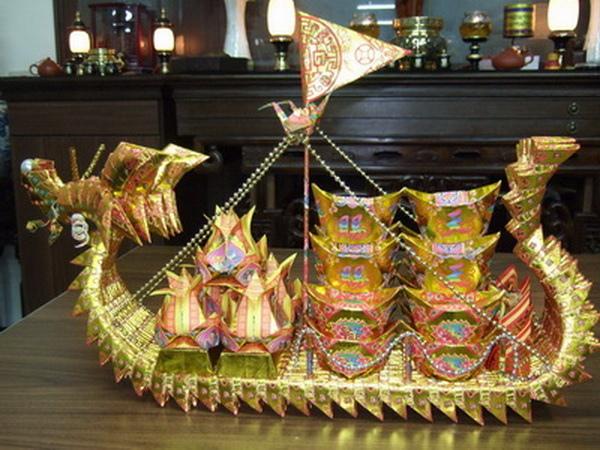 客人訂做的龍船.jpg
