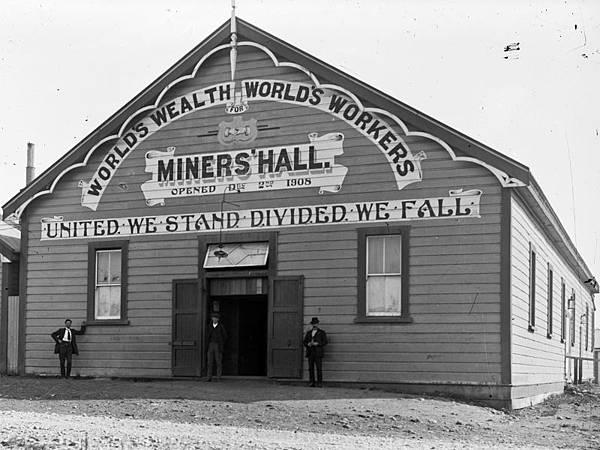 Miners-Hall-Runanga-ca-1910