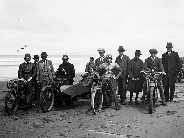 Motorcycle-Rally-Ca1920