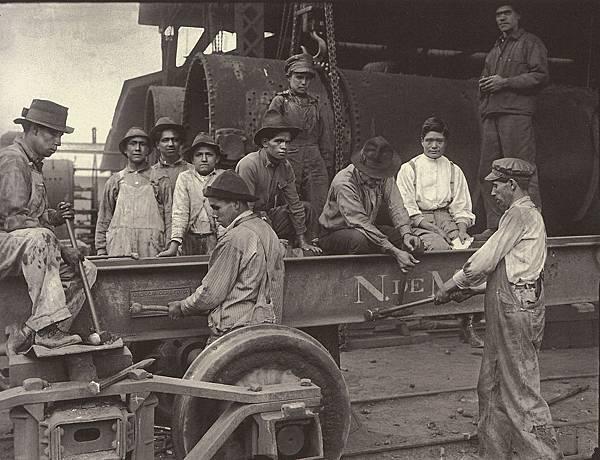 Railroad-workers-Indianilla-1922-Fodo-Casasola-WEB