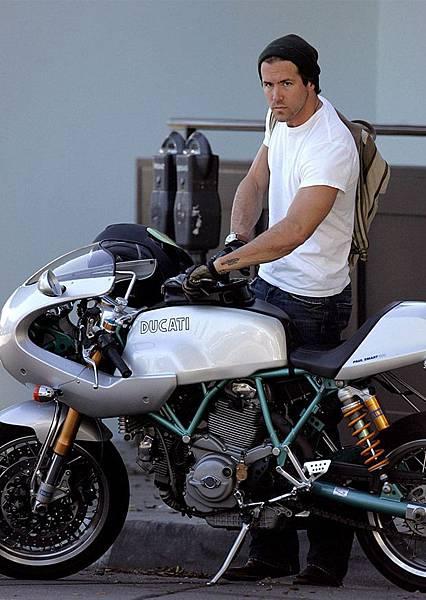 Ryan Reynolds2