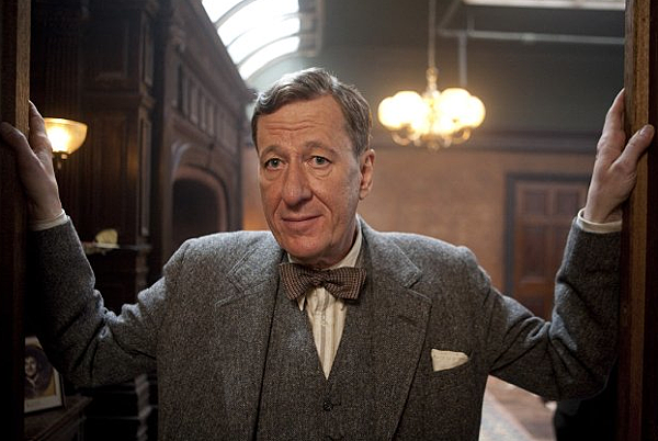the-kings-speech-geoffrey-rush-bow-tie.png