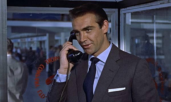 Sean-Connery-Dr-No-Cutaway-Collar.jpg