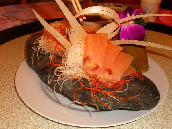 麒麟海鮮館生魚片料理