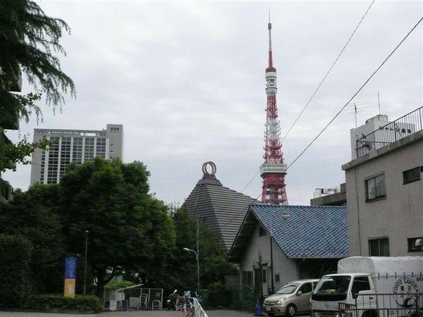 喔喔!  看到我要去的目標了~~ 東京鐵塔